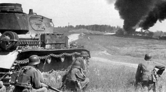 """150 ძაღლმა გერმანელების 2 ბატალიონი """"დაგლიჯა""""- 1941  წელი.  """"ძაღლების ბრძოლა"""""""