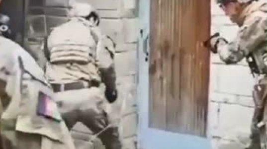 ესენიც კარგი მასხარები არიან, ღია კარის შემტვრევის მცდელობა სამხედროების მხრიდან