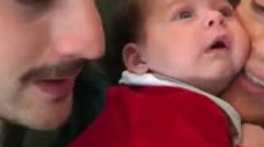 ჩვილის რეაქცია, როცა დედ-მამა მეგრულ სიმღერას მღერიან