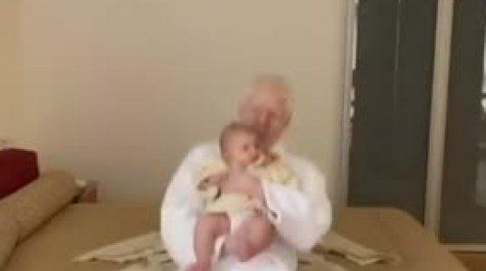 ბერა ივანიშვილი შვილთან ერთად