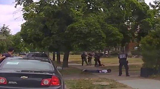 დეტროიტის პოლიციამ ჰაკიმ ლიტლტონის მკვლელობის ვიდეოკადრები გამოაქვეყნა+16