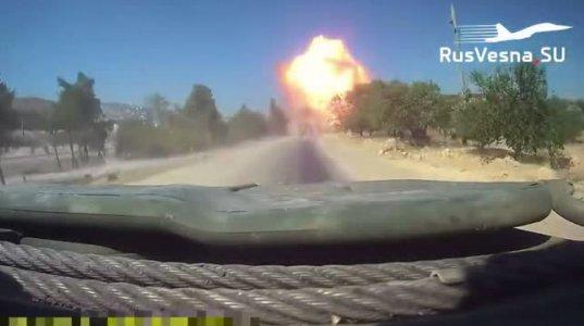 რუსული დაჯავშნული მანქანების კოლონის გზაზე აფეთქება მოხდა, დაიჭრა 2 რუსი სამხედრო