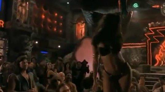 """სელმა ჰაიეკის ცეცხლოვანი ცეკვა ფილმიდან ,,მზის ჩასვლიდან განთიადამდე"""""""
