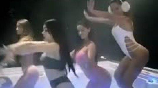 მომღერალი ანიტა გოგოებთან ერთად ცხელ ჯაკუზში ცეკვავს