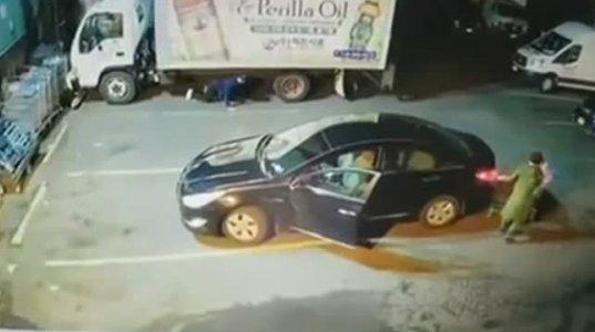 ფრთხილად იყავით, მანქანიდან ჩანთის მოპარვის ახალი მეთოდია