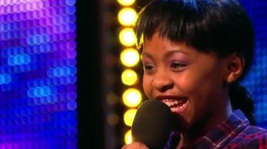 11 წლის გოგონამ ჟიურის წევრები გააოცა თავისი სიმღერით