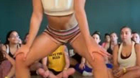 ეს გოგო ასწავლის თუ როგორ უნდა შეასრულონ ტვერკის ილეთი